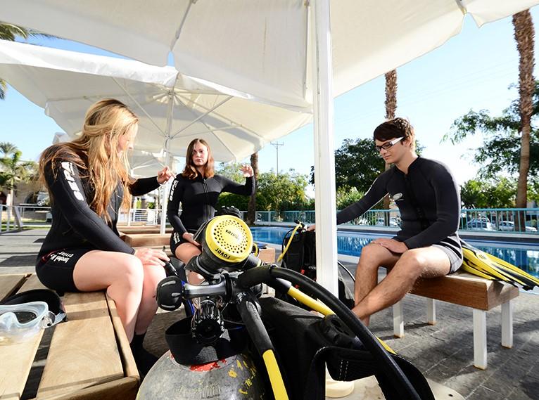 Manta Isrotel Diving Center