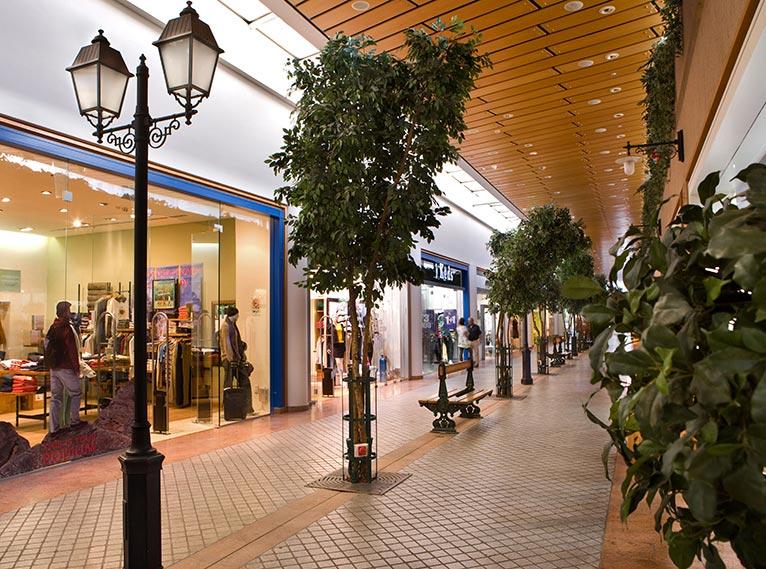 Promenades & Shopping